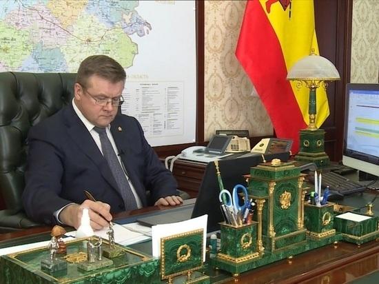 Любимов посетовал на несоблюдение рязанцами масочного режима