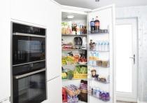 Издание Insider опубликовало список из 16 продуктов, которые лучше всего хранить при комнатной температуре или в прохладном месте