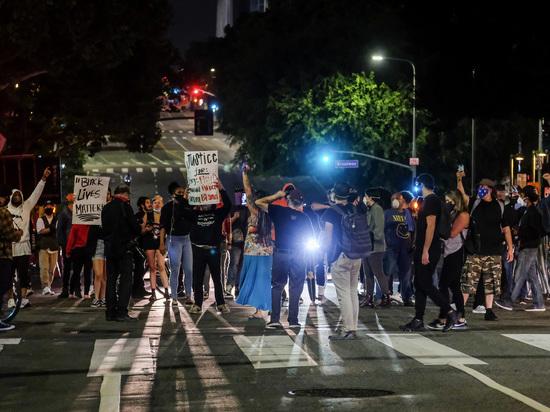 Эксперт рассказал о возможных последствиях беспорядков в Миннесоте после убийства афроамериканца