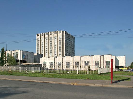 НИИ Джанелидзе оштрафовали за нарушение маршрутизации и общую столовую
