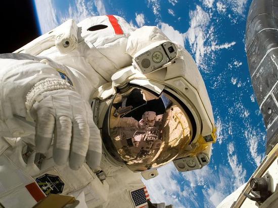"""В """"Роскосмосе"""" изучают предложение НАСА по окололунной станции"""