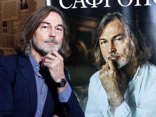 Никас Сафронов раскритиковал пожаловавшихся на бедственной положение артистов