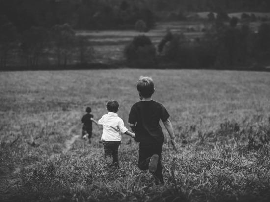 В России зафиксировали снижение количества детей-сирот в детских домах