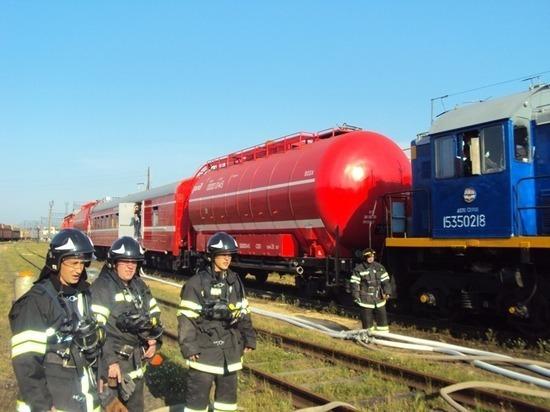 На СвЖД в состояние повышенной готовности переведены пожарные поезда