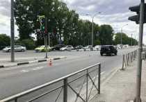 Внедорожник сбил ребёнка на зебре со светофором в Новосибирске