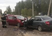 Два человека пострадали в лобовом ДТП в Калуге