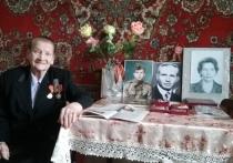 Калужские депутаты поздравили ветерана
