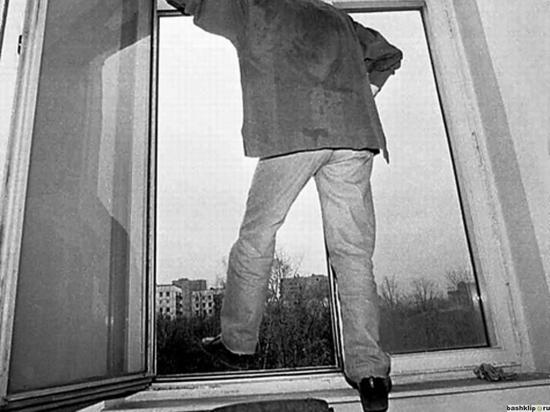 В Рыбинске больной выпал из окна стационара
