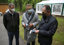 Калужские депутаты помогли обеспечить больницу средствами защиты