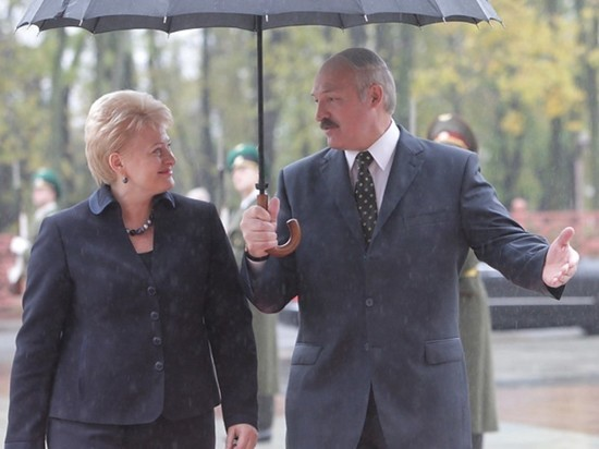 """Лукашенко высмеял женщин-президентов: """"Поулыбалась, посидела, пошла"""""""