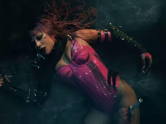 В альбоме Chromatica Леди Гага перестала быть плохишом
