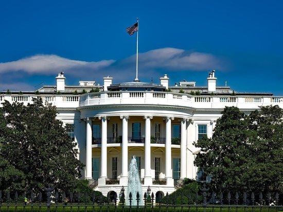 СМИ: доступ в Белый дом перекрыт из-за протестов после смерти афроамериканца