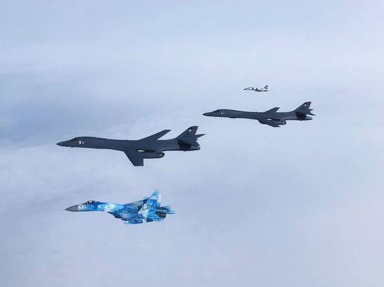 В Сети пошутили по поводу полетов бомбардировщиков США над Одессой