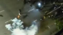В США полиция разогнала протестующих слезоточивым газом: видео
