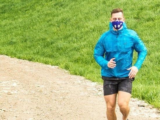 Пульмонолог рассказала о вреде от занятий спортом в маске