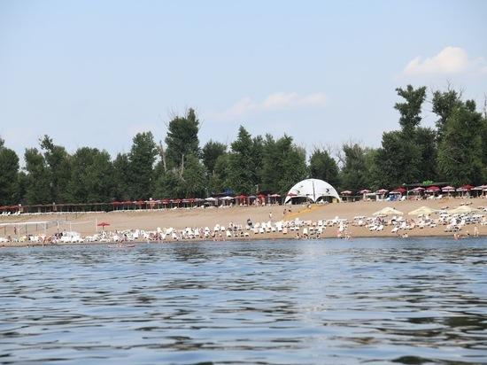 Глава Роспотребнадзора: носить маски отдыхающим на пляже не придется