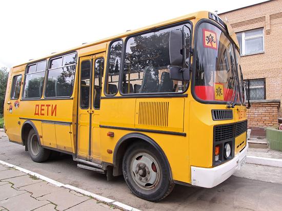 Правила автобусных экскурсий для школьников изменятся: сколько дверей, столько взрослых
