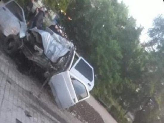 На Дону парень и девушка погибли в страшном ДТП