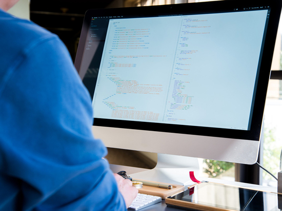 Пандемия подхлестнула спрос на вирусологов и программистов