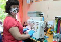 В социально-реабилитационном центре Серпухова продолжают шить многоразовые медицинские маски для малообеспеченных и социально-незащищённых категорий граждан