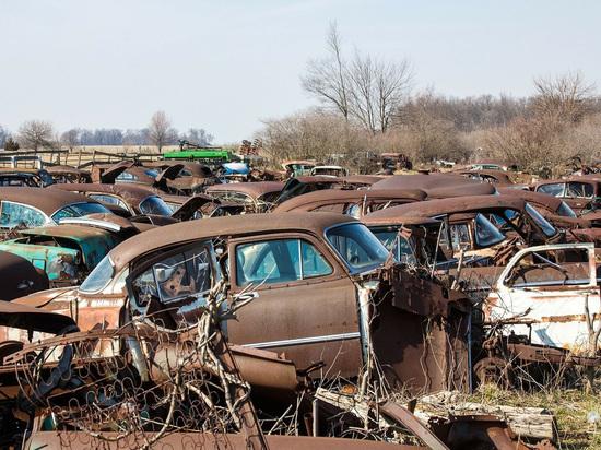 В России собрались ввести штраф за брошенные автомобили