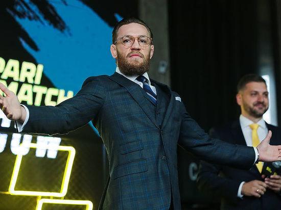 Джонс отдал пояс UFC, а у Конора появился соперник