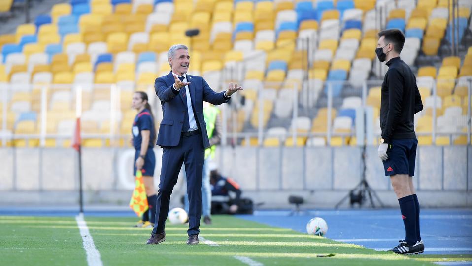 Чемпионат Украины по футболу возобновился с коронавирусным скандалом
