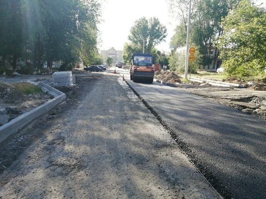 В калмыцкой столице ремонтируют дороги, ведущие к детсадам и школам