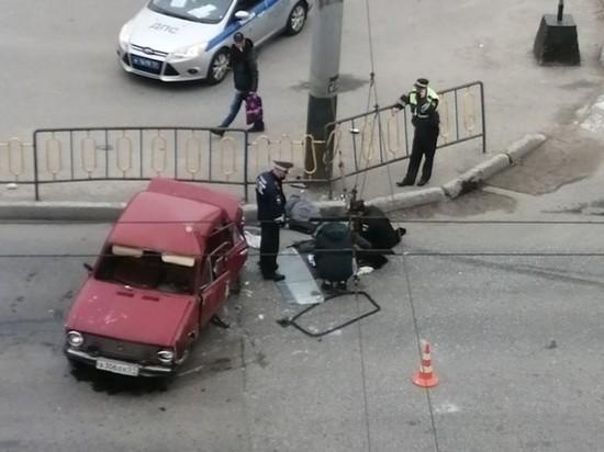 В Мурманске «боевая классика» снесла забор
