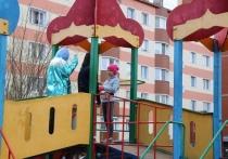 В Салехарде детские площадки проверили на безопасность