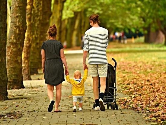 Более 68 тысяч калужских семей получили детские выплаты