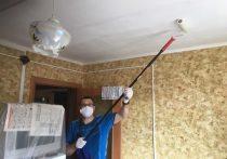 В Салехарде соцработники и общественники сделали ремонт для ветеранов