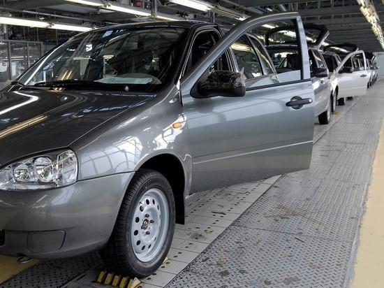 """""""АвтоВАЗ"""" сообщил о сокращении продаж на российском рынке в мае на 42% - число реализованных легковых автомобилей упало до 16,7 тысяч"""