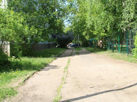 Парковку обустроят в Пскове возле детского сада «Чебурашка»