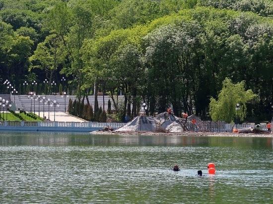 Озеро в Железноводске очищают водолазы