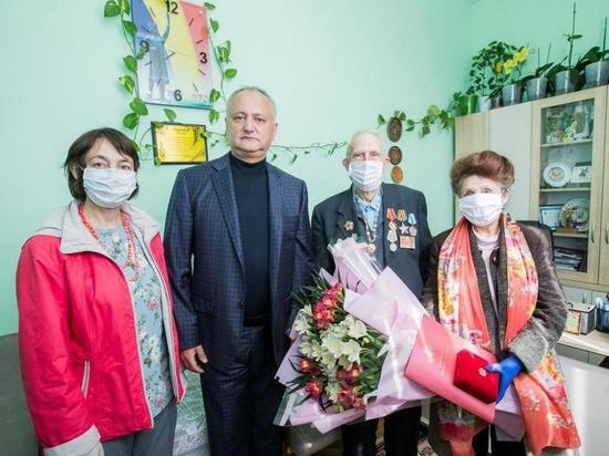 Президент вручил награды Молдовы достойным