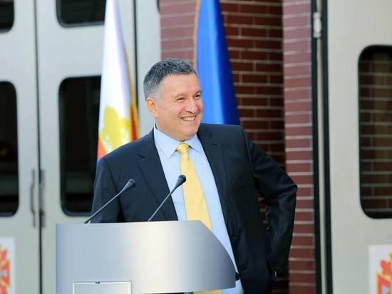 Арсен Аваков «тонко» напомнил Зеленскому о своей несменяемости в МВД