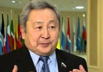 Экс-сенатор Бурятии Арнольд Тулохонов резко высказался о суете и торопливости с Конституцией