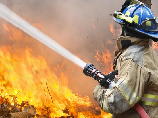 Одноэтажный дом горел в Ростовской области