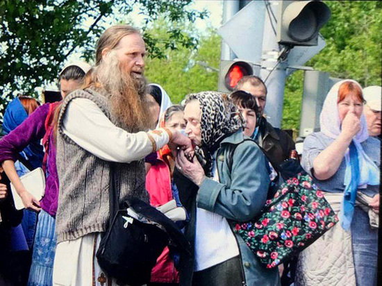 Тысячи верующих вопреки запрету отправились в Великорецкий ход