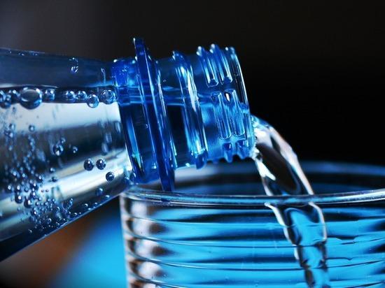 Германия: известная марка минеральной воды провалила тест на качество