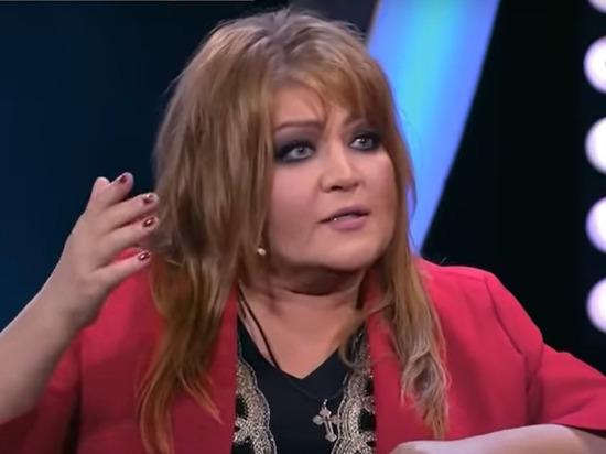 Певица Анастасия, которая буквально в прошлом году вышла замуж за певца Юлиана, теперь разводится с ним