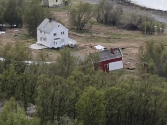 Появилось видео «убегающих» в море домов в Норвегии