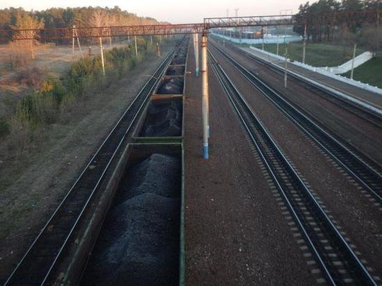В дежурную часть Абаканского линейного отдела обратились железнодорожники, которые сообщили о двух фактах самовольного проезда граждан в грузовых поездах