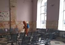В Великих Луках провели дезинфекцию вокзала