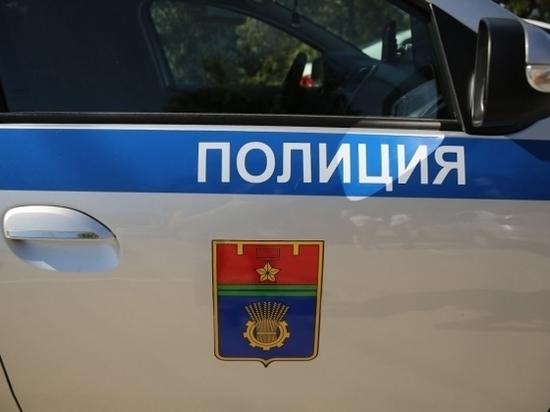 В Волгограде опрокинулся большегруз со щебнем