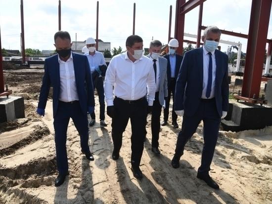 Бочаров проверил работу по проектам развития Среднеахтубинского района