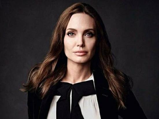 Анджелине Джоли исполнилось 45 лет