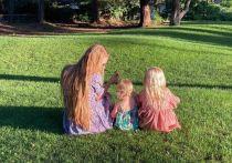 «Мы очень хотим домой»: красноярка с дочками застряла в обсерваторе по пути из США