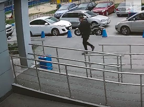 СК опубликовал видео штурма квартиры застреленного силовиками жителя Екатеринбурга